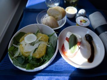 united airlines business class boeing 787 10 salat kalte vorspeise 1