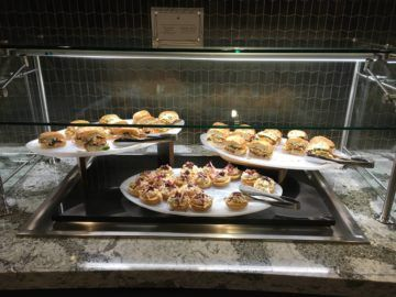 united polaris lounge los angeles dining buffet 5