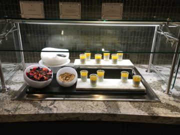 united polaris lounge los angeles fruehstuecksbuffet 3