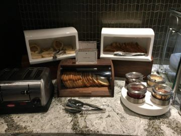 united polaris lounge los angeles fruehstuecksbuffet 8