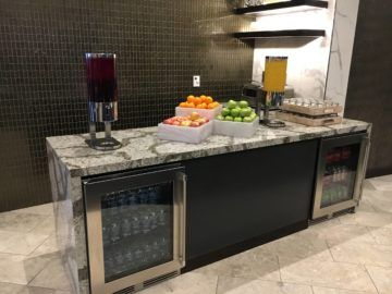 united polaris lounge los angeles getraenkestation 3