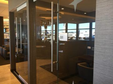 united polaris lounge los angeles telefon kabine 1