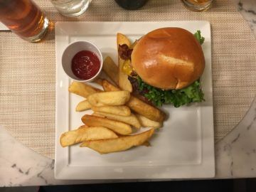 united polaris lounge los angeles united polaris burger 2