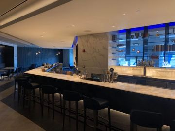 united polaris lounge newark nyc bar
